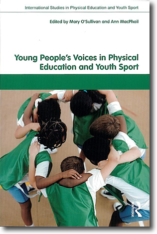 Mary O'Sullivan & Ann MacPhail (red) Young People's Voices in Physical Education and Youth Sport 233 sidor, hft. Abingdon, Oxon: Routledge 2010 (International Studies in Physical Education and Youth Sport) ISBN 978-0-415-48745-0