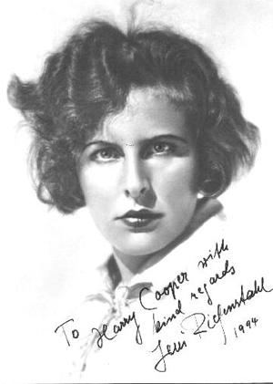 Leni Riefenstahl. Dedicerat foto från en tidig film.
