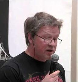 Klicka på bilden av Mats Greiff för att se och höra hans akademiska kvartssamtal om Dolly Parton. Rekommenderas!