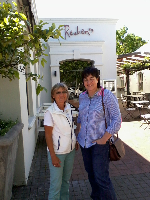 Med Elmarie Terblanche i den närliggande pittoreska byn Franschhoek