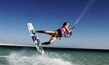Kitesurfing – uppkomsten av en ny extremsport!