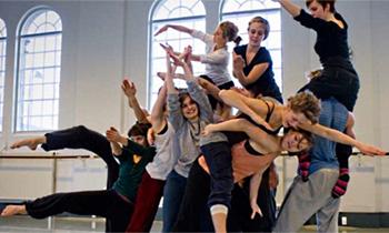 Värdefull och inspirerande lärobok i dans- och rörelseundervisning