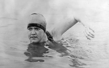 Postkoloniala aspekter på simkonstens utveckling i informationstät volym