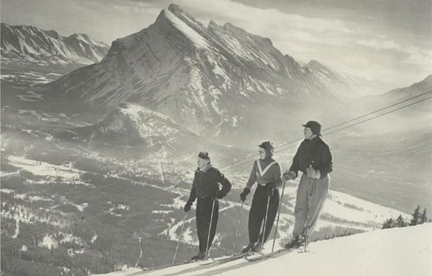 skiing-b-w620